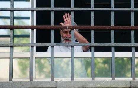 Militante dell'ETA, Josu Uribetxebarria, termina lo sciopero della fame