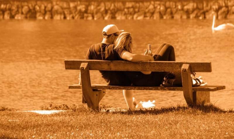 Single in coppia 1 800x475 - Alla ricerca dell'amore eterno