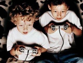 Games c 320x242 - TECNOLOGIA E INSONNIA INFANTILE: C'E' UNA RELAZIONE