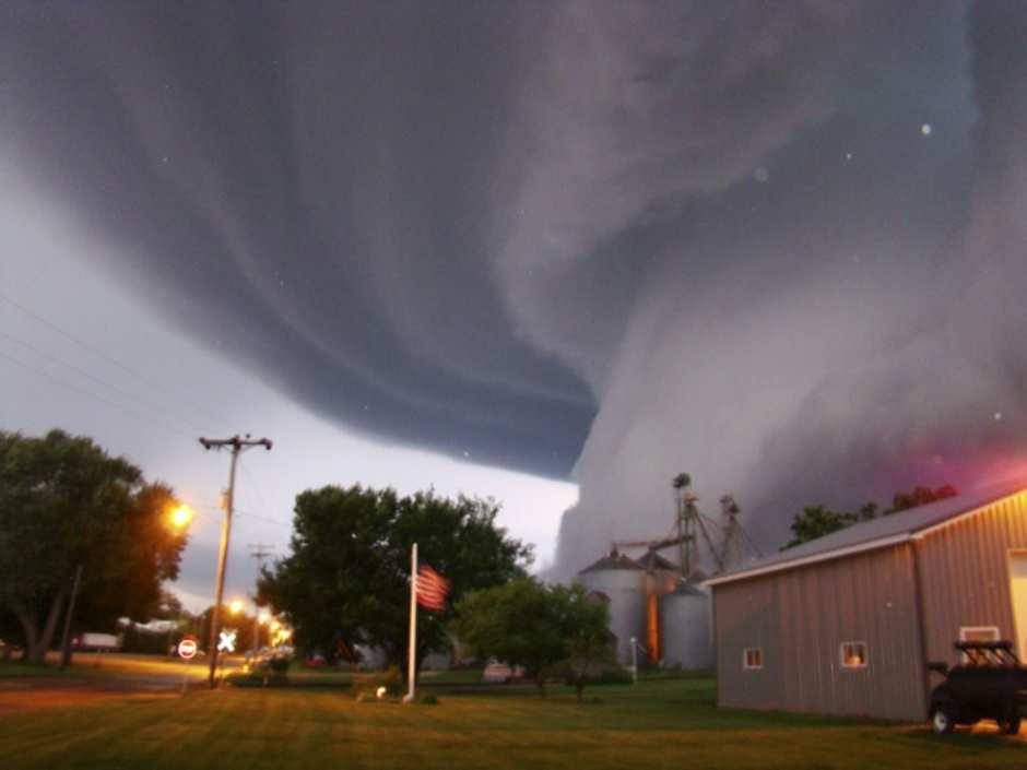 tornado a Oklaoma - Tornado tornano a colpire Oklahoma: 5 morti e una ventina i feriti