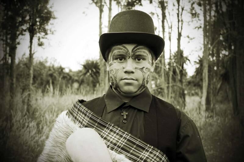 tatuaggio maori viso 800x533 - Tatuaggi Maori: il Significato di un rito sacro le foto per una scelta mirata
