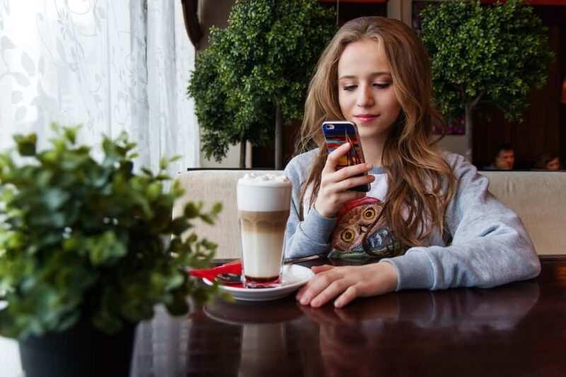 Chat per single 800x533 - Chat per single: Internet può offuscare pregiudizi razziali