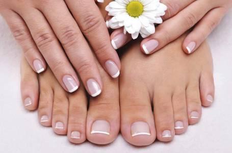 ricostruzione delle unghie mani e piedi