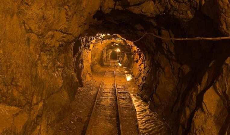 Sud Africa: 200 minatori intrappolati in una miniera illegale