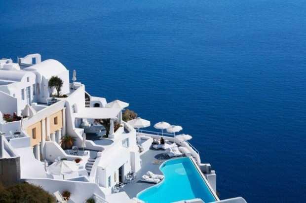 Katikies Santorini Greece - 7 hotel con le piscine più belle del mondo