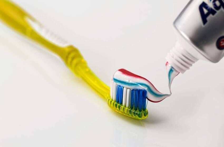 Lavarsi bene i denti è importante, ma solo in pochi sanno farlo