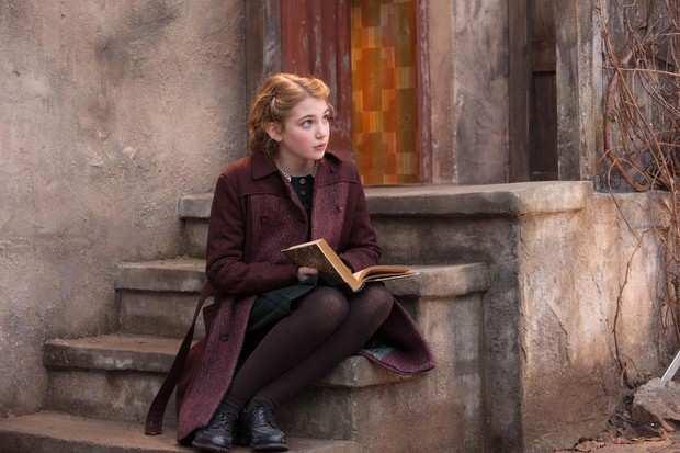 la bambina che salvava i libri 1 - La bambina che salvava i libri di Zusak Markus