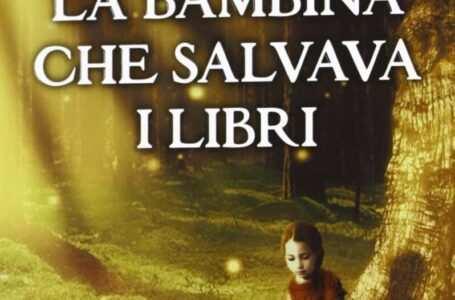 cover la bambina che salvava i libri