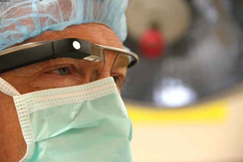google glass 2 800x533 - Google Glass: sviluppata un'applicazione chirurgica utile in campo sanitario