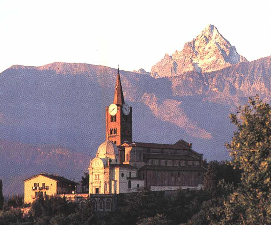 Case di ieri e di oggi a Pinerolo, una panoramica della città Piemontese