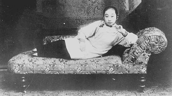 loto doro 2 - Loto d'oro, le donne dai piedi piccoli, un'inquietante tradizione cinese