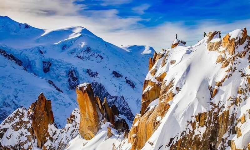 montagna 800x483 - Luoghi pericolosi ed affascinanti di tutto il mondo