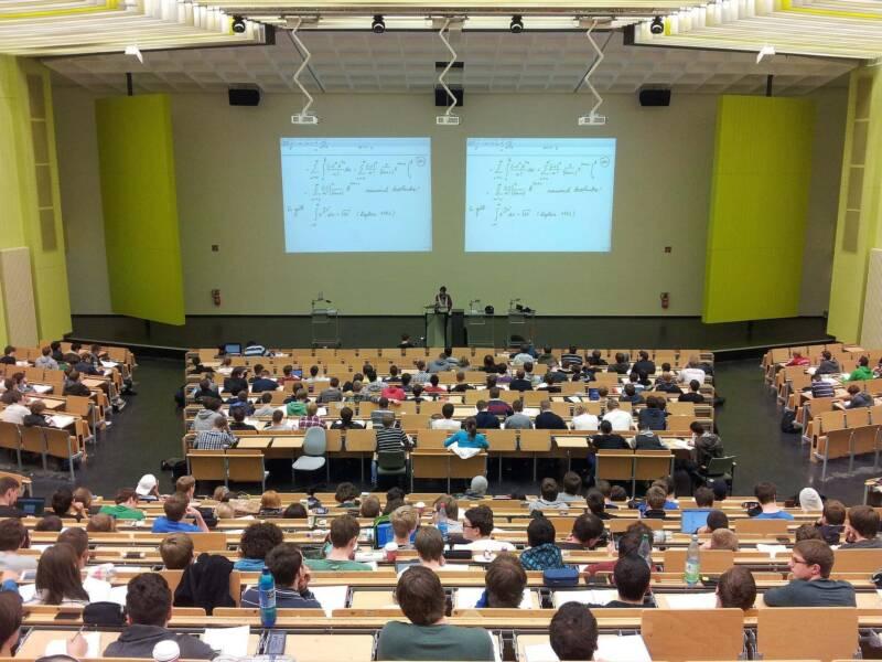 universita aula studenti 800x600 - Unicusano e laurea telematica: borsa di studio gratuita per i più meritevoli