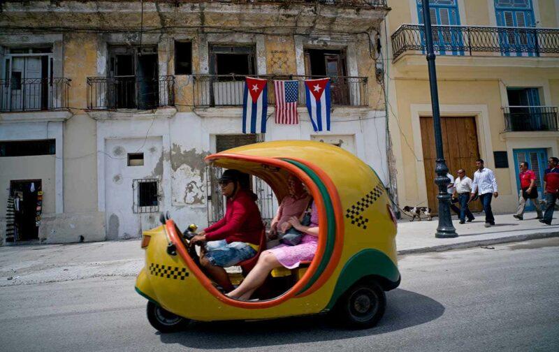 coco taxi Cuba 1 800x504 - I mezzi di trasporto più strani del mondo