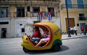 coco taxi, a Cuba