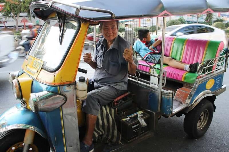 tuk tuk 800x533 - I mezzi di trasporto più strani del mondo