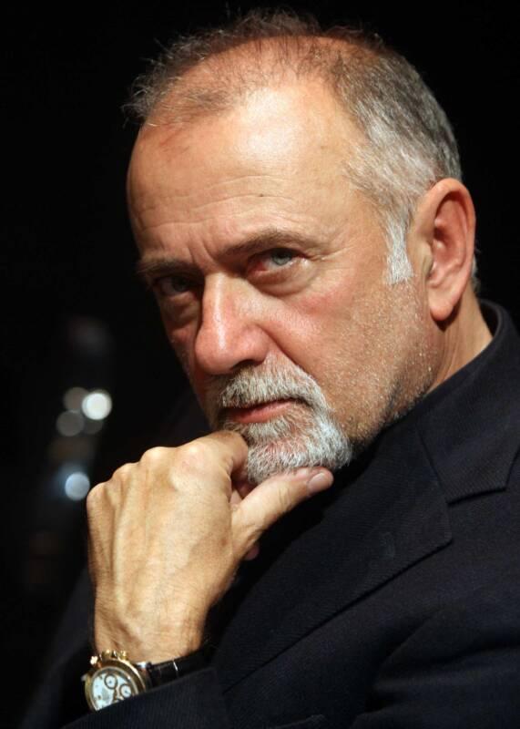 Giorgio Faletti 571x800 - Muore a 63 anni Giorgio Faletti, Addio Giorgio