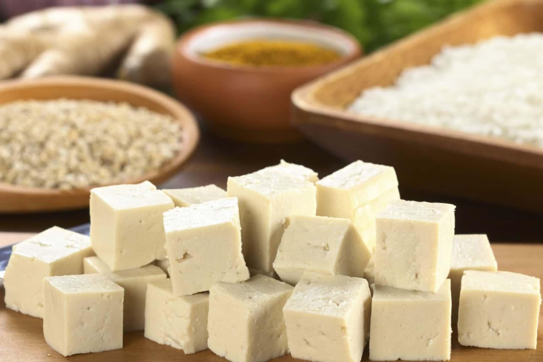 I valori nutrizionali del tofu e le idee per cucinarlo