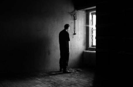 Il suicidio uccide più persone di guerre, omicidi e disastri