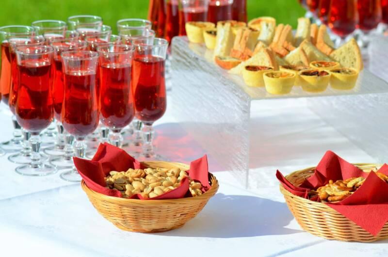 happy hour aperitivo 800x530 - Happy Hour: Come organizzare un aperitivo perfetto a casa tua