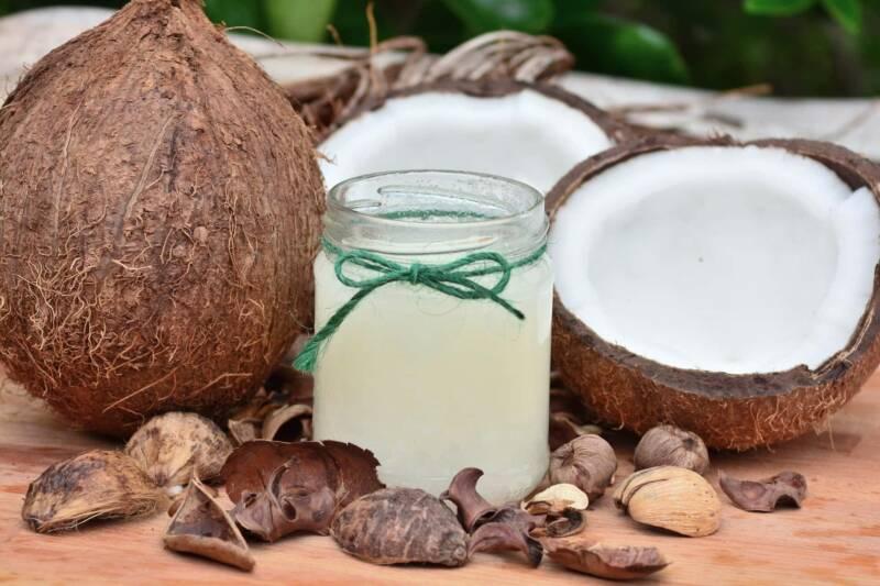 latte di cocco 800x533 - Burro di cocco fatto in casa: la ricetta - 2 metodi (Video)