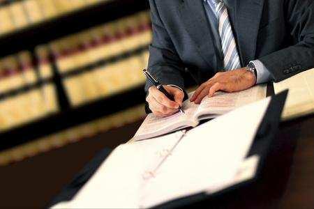 Come procedere in un divorzio tramite avvocato matrimonialista