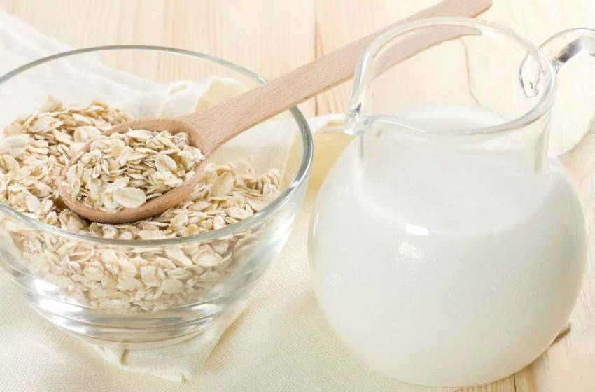 Latte d'avena fatto in casa, ricetta veloce e facile (Video)