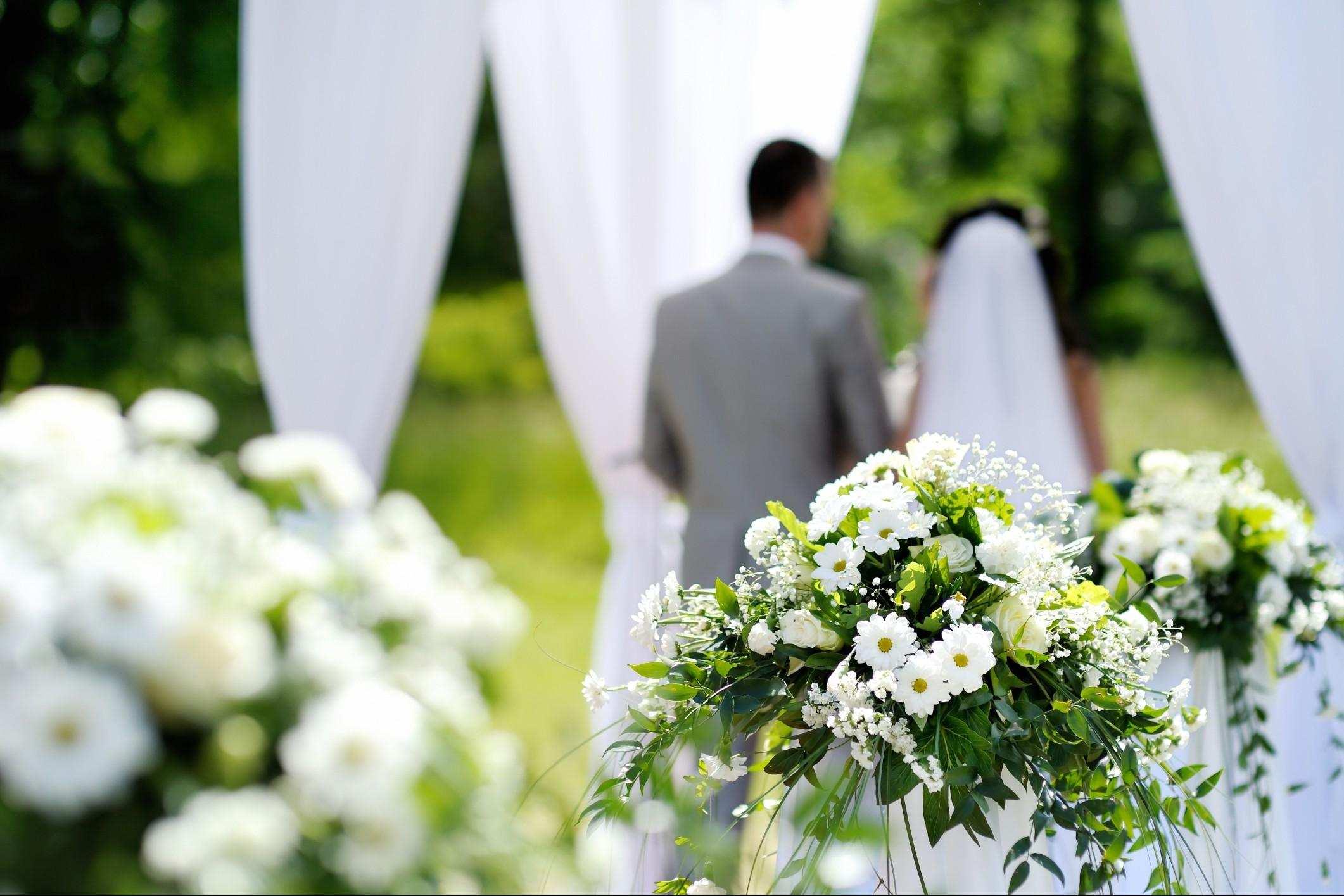 Come scegliere gli addobbi floreali per il matrimonio