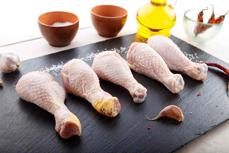 cosce pollo in padella salsa verdure 800x533 - Cosce di pollo in padella con salsa di verdure