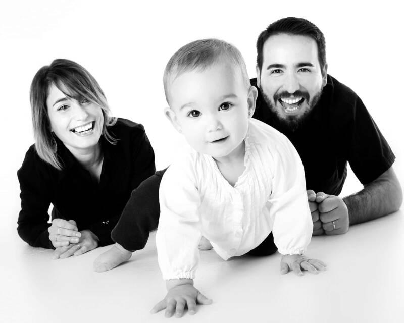familglia bambini 800x640 - Due famiglie per Flip, l'affido familiare raccontato ai più piccoli il Libro