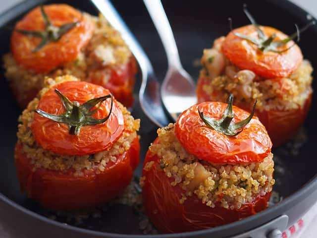 pomodori ripieni ricette economiche e veloci 1 - Pomodori ripieni: Ricetta economica e veloce