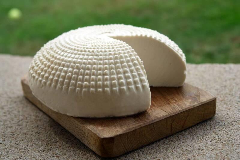 formaggio fatto in casa 800x533 - Formaggio fatto in casa: tutti i passaggi e i consigli utili, la ricetta
