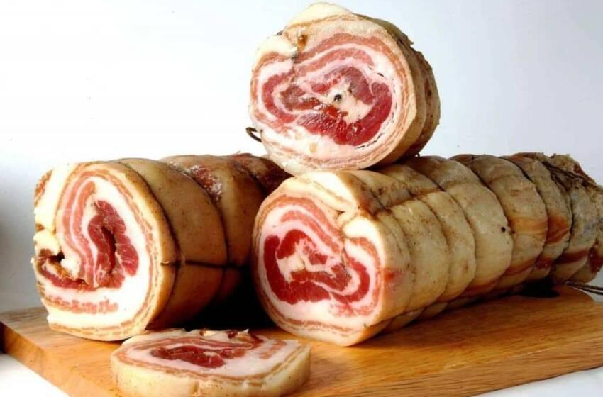 Come fare la Pancetta di maiale arrotolata in casa