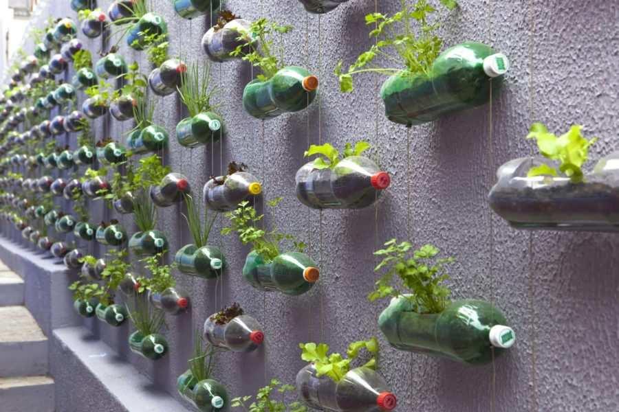 Riciclo creativo bottiglie di plastica 3 - Come riciclare le bottiglie di plastica e altri oggetti che buttiamo (Video)