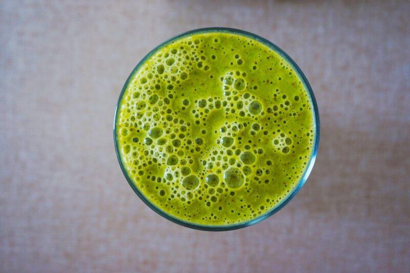 frullato verdure 800x533 - Valori nutrizionali degli spinaci - aiutano il Diabete?