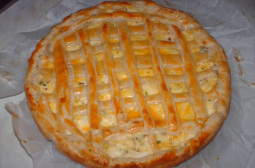 Ricette di rustici con la pasta sfoglia: Torta salata di ricotta e salsiccia