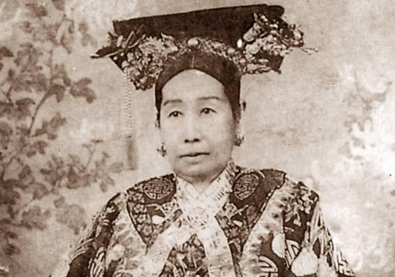cixi 2 800x561 - L'imperatrice Cixi di Jung Chang