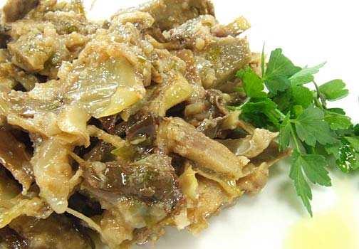 Piatti tipici della Sardegna: agnello con i carciofi