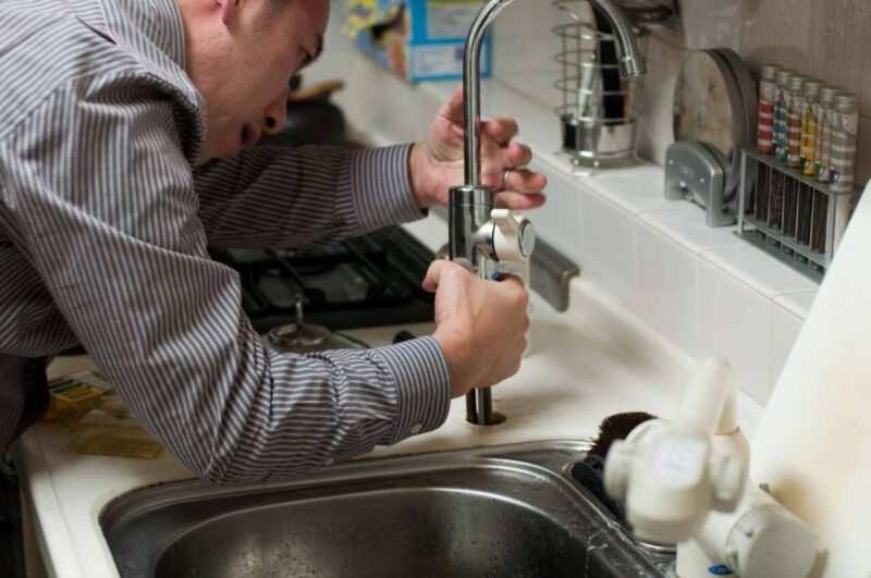 Riparare le perdite di un rubinetto fai da te scaled 800x531 - Riparare rubinetto che perde, come porre rimedio
