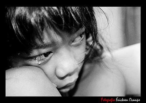 Violenze su bimba di 10 anni da padre e matrigna. Arrestati