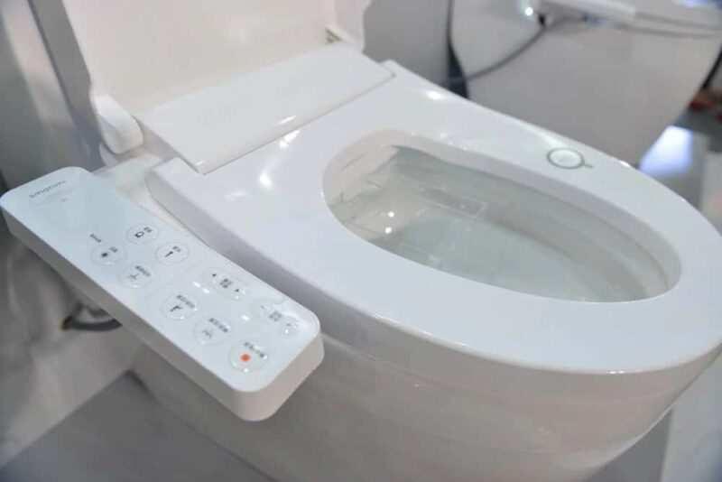 WC giappone tecnologici 800x534 - 7 cose strane sul Giappone che ti faranno sentire un giapponese