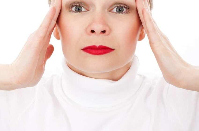 Mal di testa: ecco come curarlo con le tisane