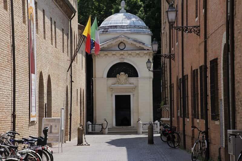 Ravenna tomba di dante - Cosa fare, cosa visitare e come divertirsi a Ravenna
