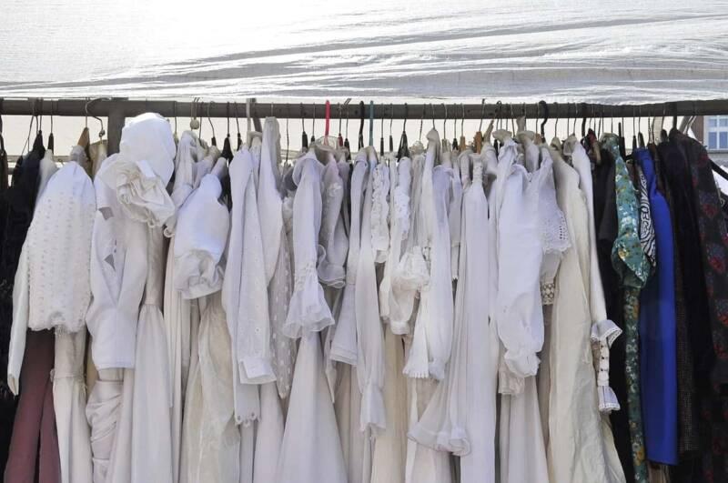 Vestiti usati swap party 2 800x531 - I nuovi trend del settore moda per un' economia circolare