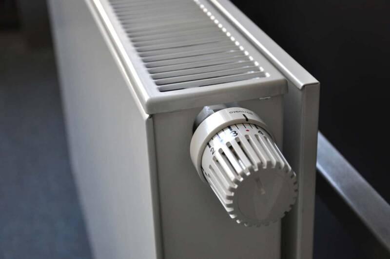 radiatore Valvole Termostatiche 800x531 - Rimpiazzare la valvola di un termosifone guida passo passo