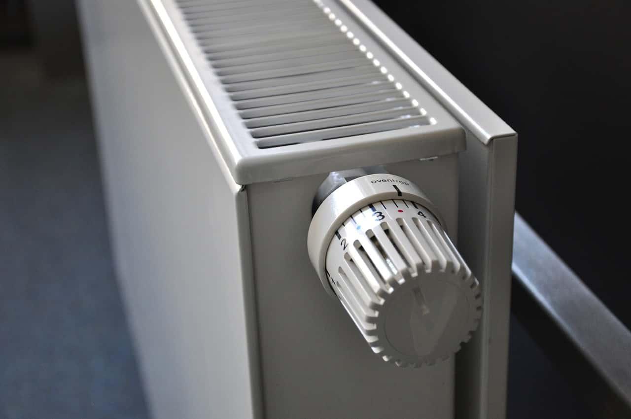 radiatore Valvole Termostatiche - Rimpiazzare la valvola di un termosifone guida passo passo