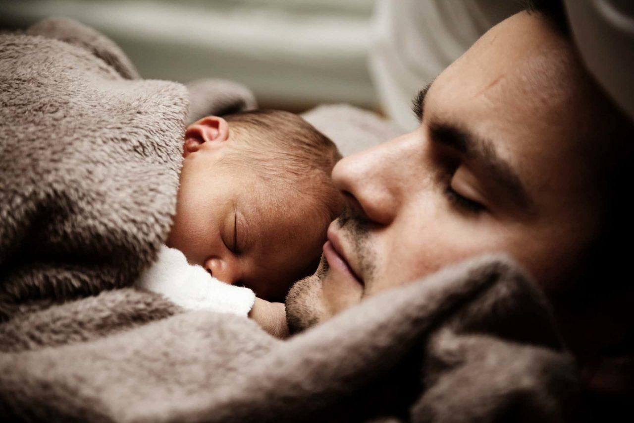 Febbre nel neonato: cause, come misurarla e cosa fare