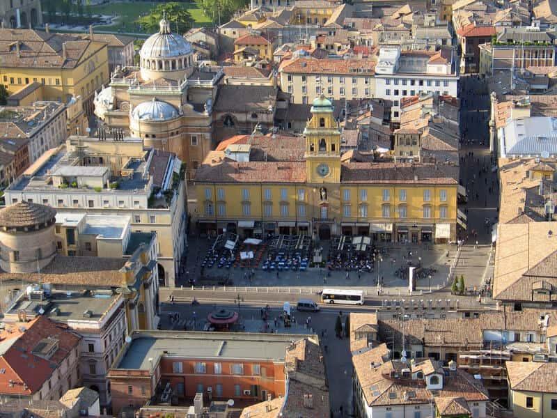 Parma piazza Garibaldi - Quadrilegio 2020: a Parma un anno di arte ed eventi
