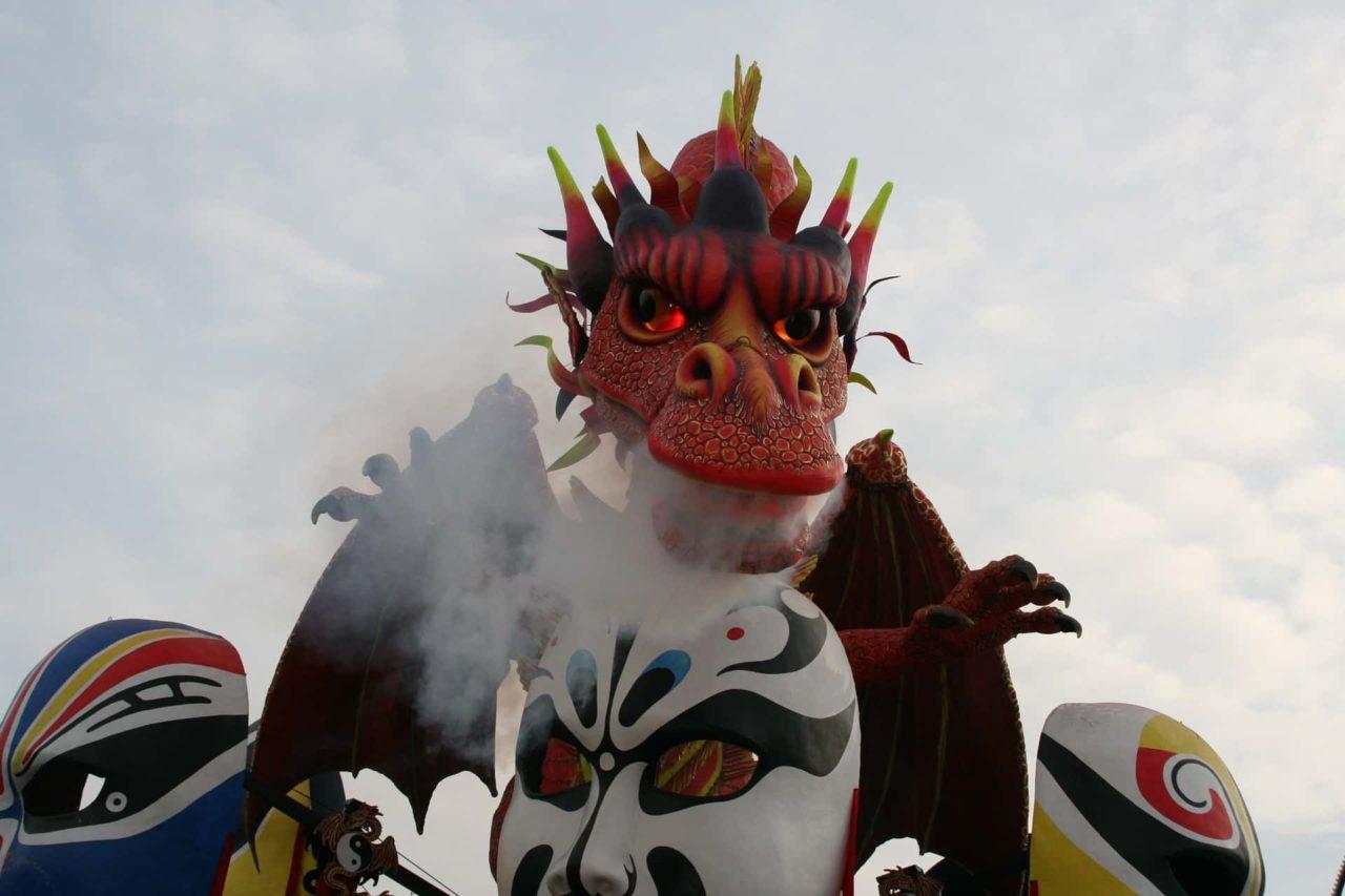 il carnevale di viareggio 3 scaled - Il carnevale di Viareggio: tradizione e storia