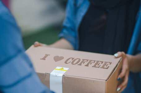Corriere ordini del caffè online